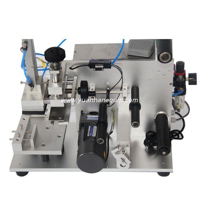 Label Applicator for Flat Surfaces